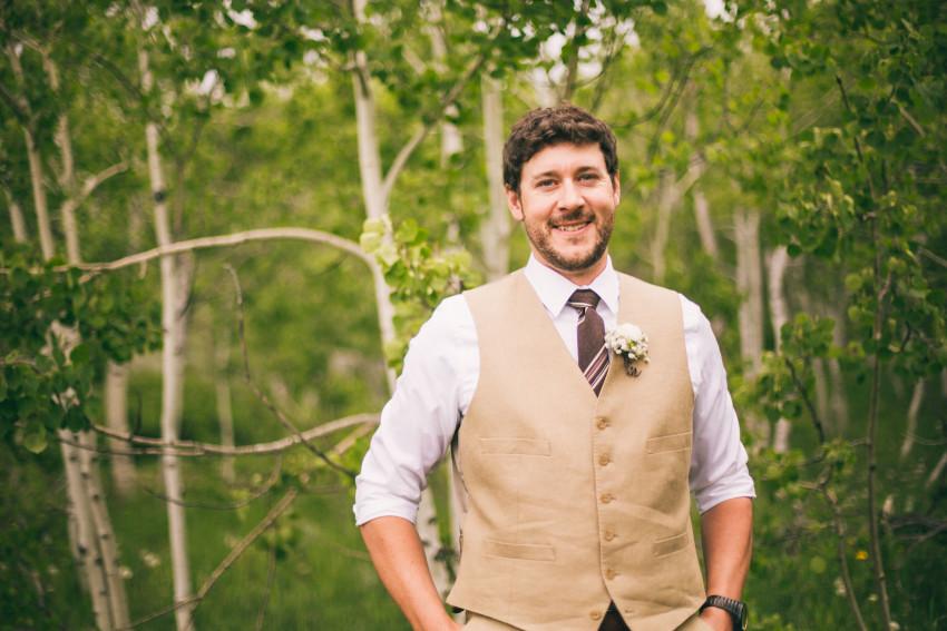 008_Crested Butte Wedding Photographer Secret Stash Woods Walk Ceremony Jamie Blue Bird Events Boho Epic Stars