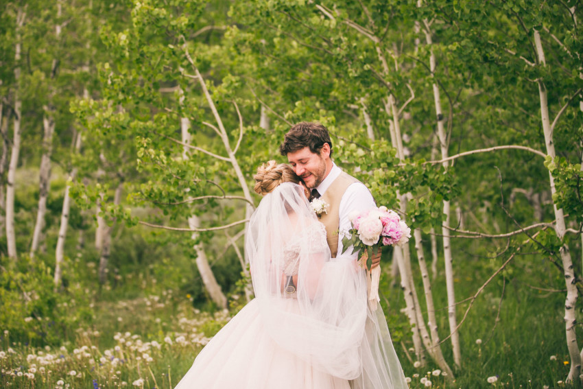 010_Crested Butte Wedding Photographer Secret Stash Woods Walk Ceremony Jamie Blue Bird Events Boho Epic Stars