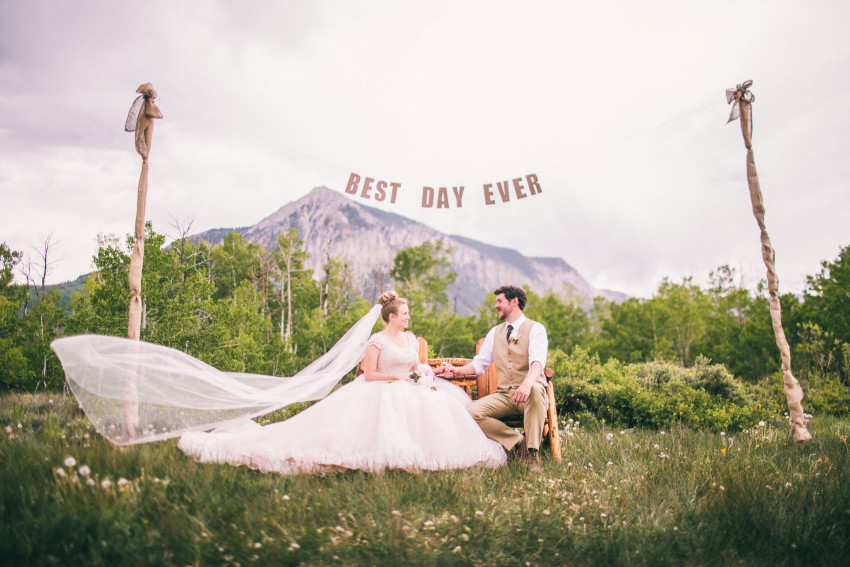 015_Crested Butte Wedding Photographer Secret Stash Woods Walk Ceremony Jamie Blue Bird Events Boho Epic Stars