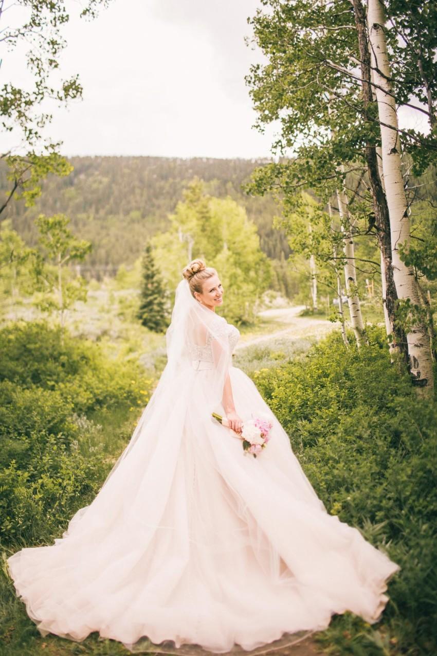 016_Crested Butte Wedding Photographer Secret Stash Woods Walk Ceremony Jamie Blue Bird Events Boho Epic Stars