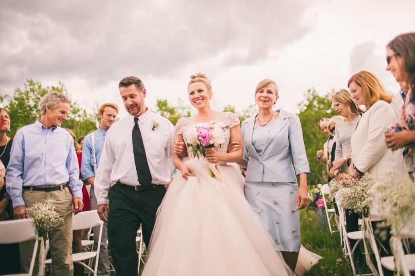 027_Crested Butte Wedding Photographer Secret Stash Woods Walk Ceremony Jamie Blue Bird Events Boho Epic Stars