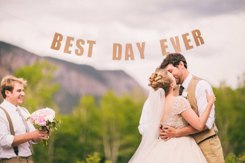 031_Crested Butte Wedding Photographer Secret Stash Woods Walk Ceremony Jamie Blue Bird Events Boho Epic Stars
