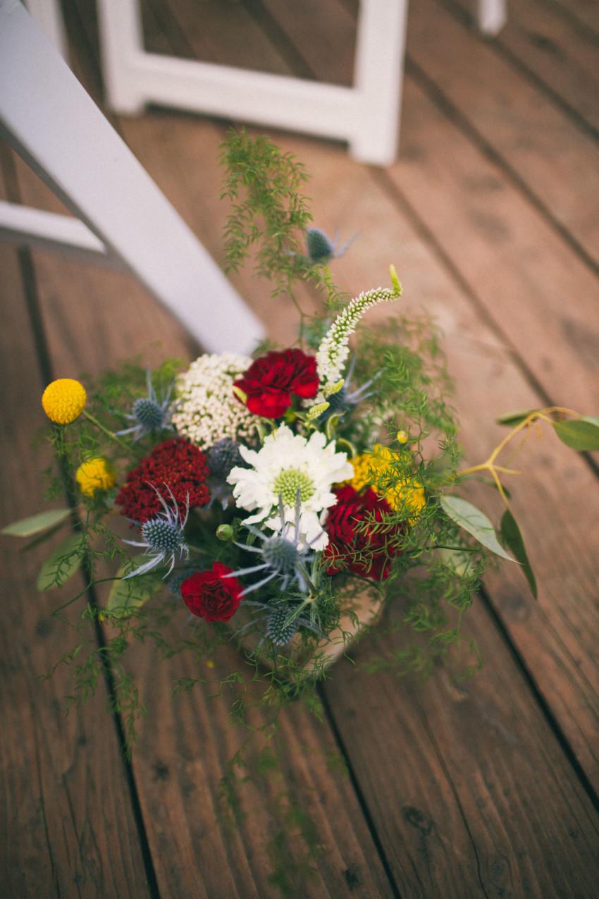 034 Evergreen Lake House Wedding Photographer beautiful flowers from beet and yarrow