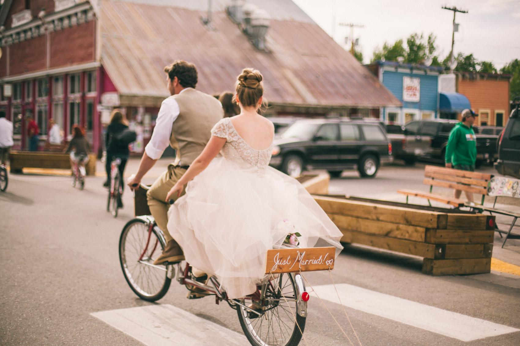 044_Crested Butte Wedding Photographer Secret Stash Woods Walk Ceremony Jamie Blue Bird Events Boho Epic Stars