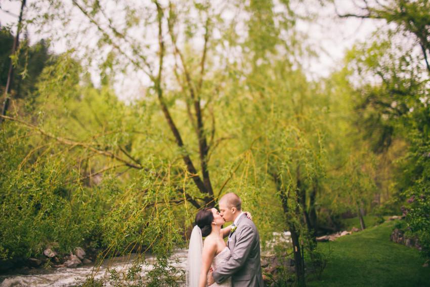 Kayla Jeremy Wedgewood Boulder Rainy Wedding Umbrella-037