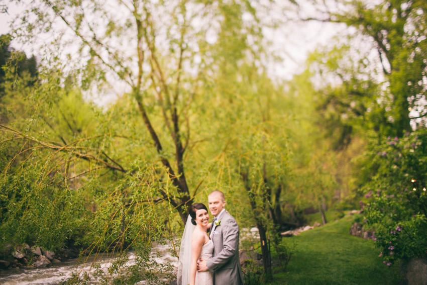 Kayla Jeremy Wedgewood Boulder Rainy Wedding Umbrella-040