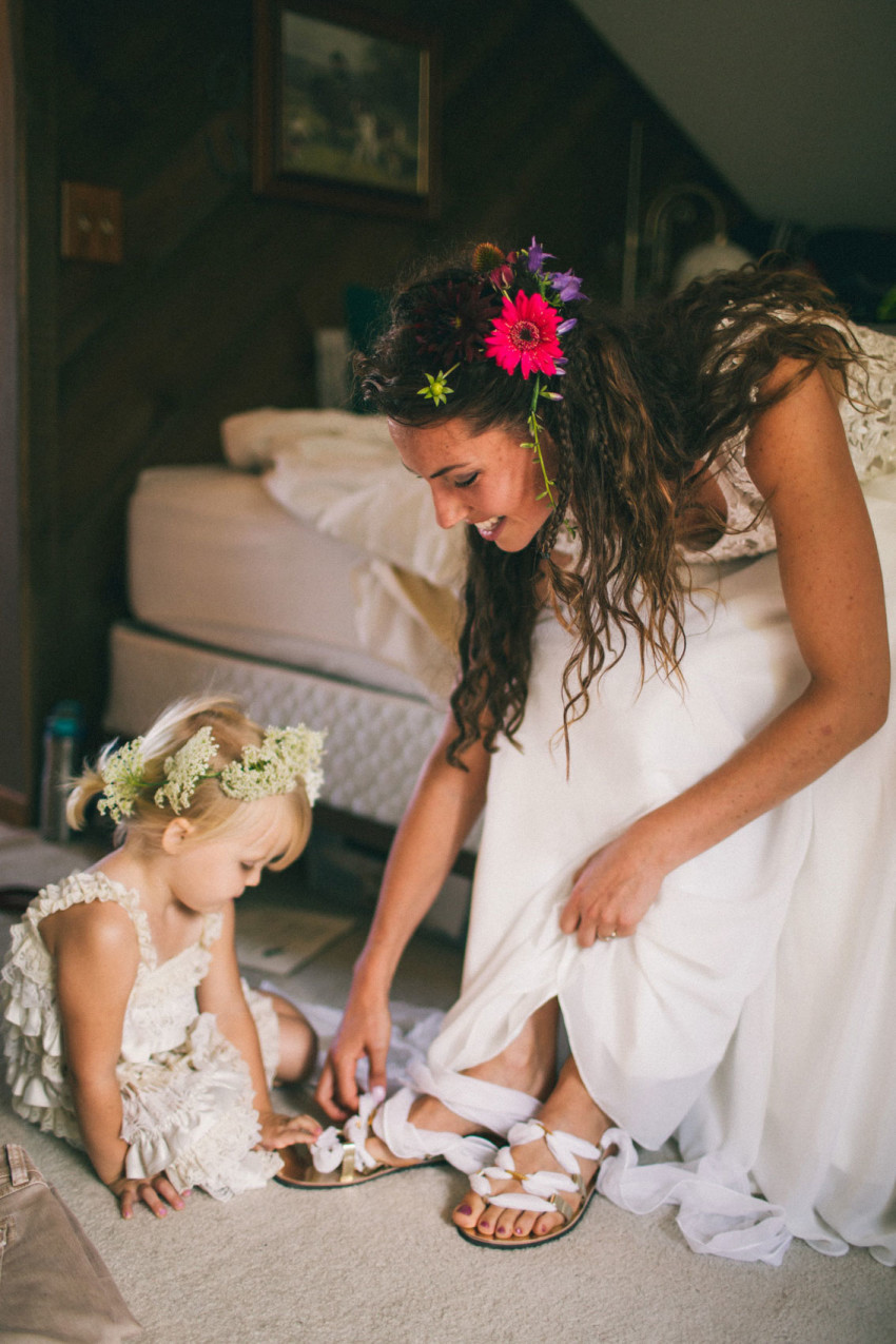 009 Mukwonago Milwaukee WI Bride Getting Ready Intimate Moment Shoes Flower Girl Sweet Cute Danny Andrea