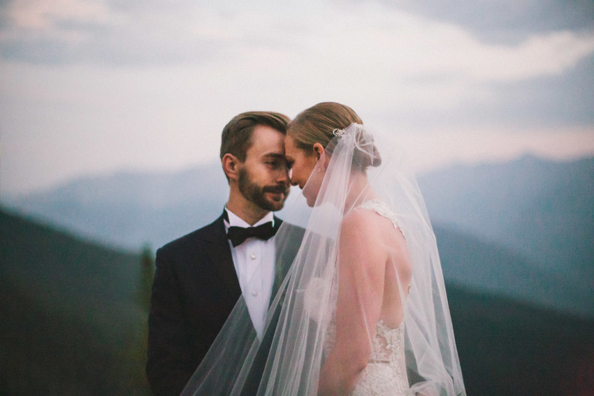 053 Aspen CO Mountain Top Luxury Wedding Inbal Dror Dress Couples Bride Groom Portrait Tiffany Tom