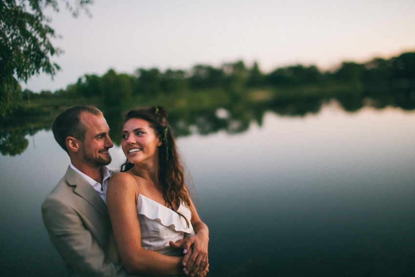 117 Mukwonago Milwaukee WI Barn DIY Laid-back Country Dusk Bride Groom Portrait By Lake Danny Andrea