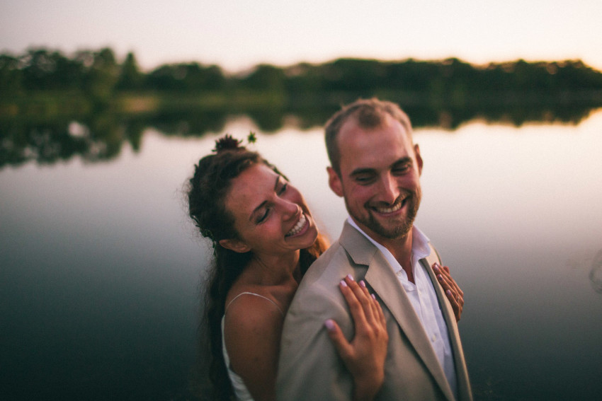 118 Mukwonago Milwaukee WI Barn DIY Laid-back Country Sweet Couple Portrait Wedding Bride Groom By Lake During Dusk Danny Andrea