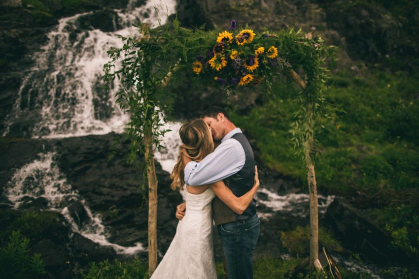 064 Crested Butte Elopement Waterfall Krsitin Phil Westfalia Off Road Adventure